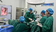李健:慢性阑尾炎腹腔镜阑尾切除术LA